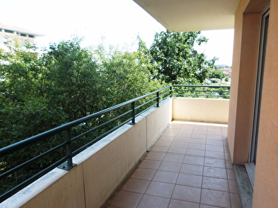 A VENDRE,  TOULOUSE PATTE D'OIE-ST CYPRIEN - T4, TERRASSE ,GARAGE ET PARKING PRIVATIFS